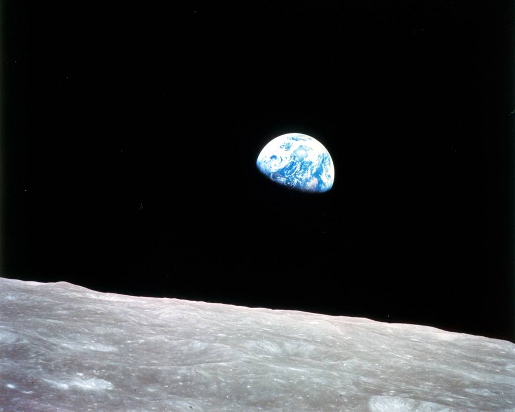 Earthrise Apollo
